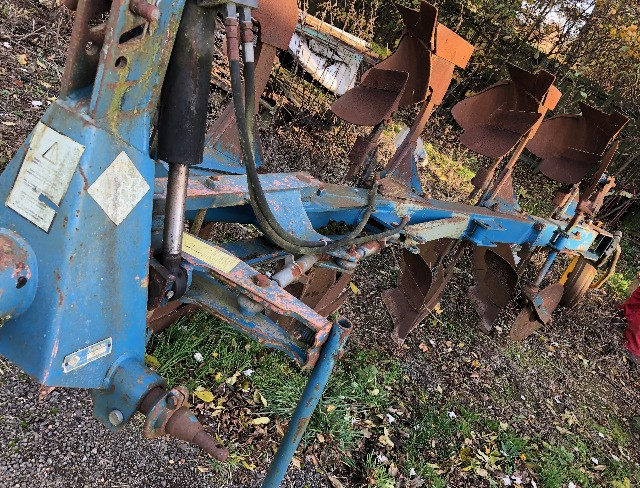 Overum 4 furrow plough