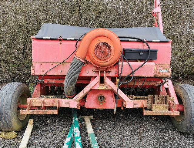 Massey Ferguson 4m Air drill